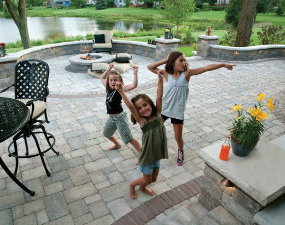 Outdoor Living Patio featuring Brussels Block with Copthorne paver